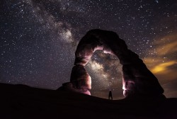 delicate-arch-night